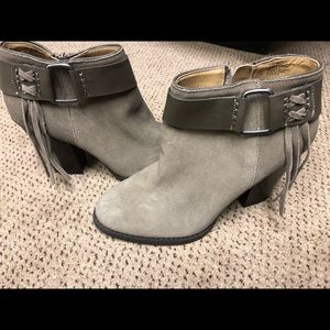 Kenzie bootie 8.5 never worn